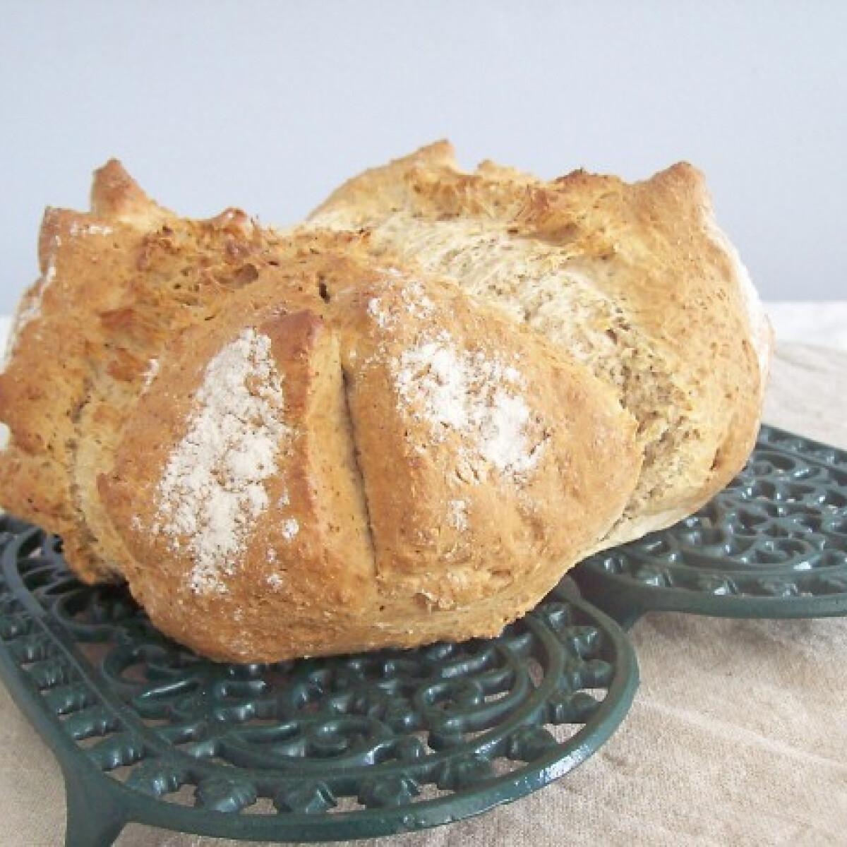 Ezen a képen: Ír szódás kenyér házi tejjel