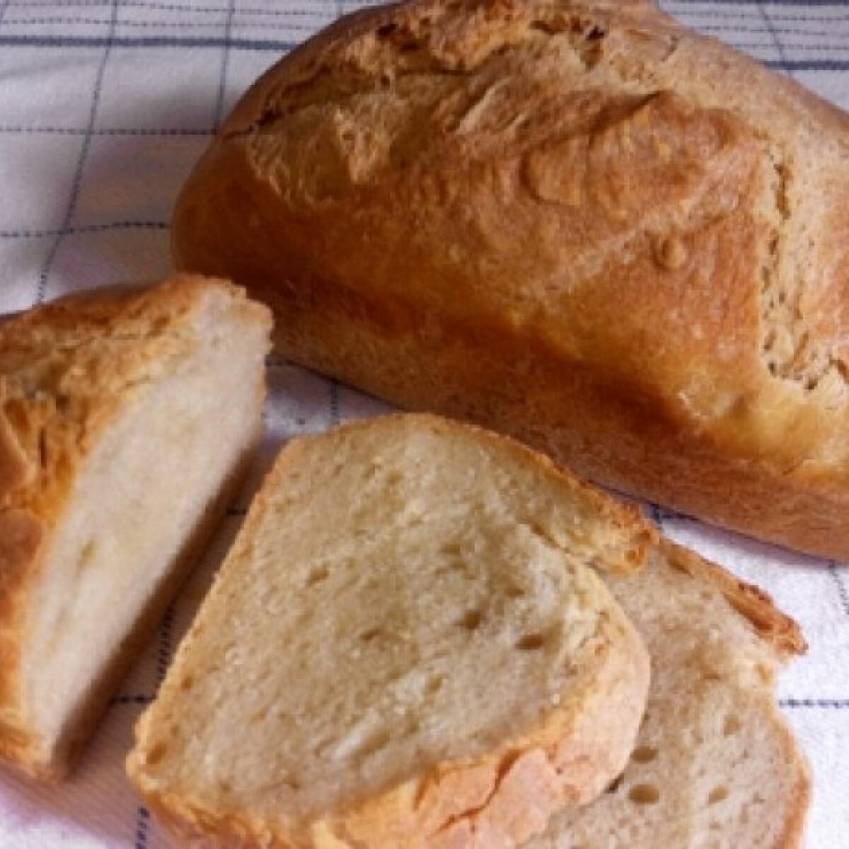 Ezen a képen: Házi fehér kenyér Pussycat konyhájából