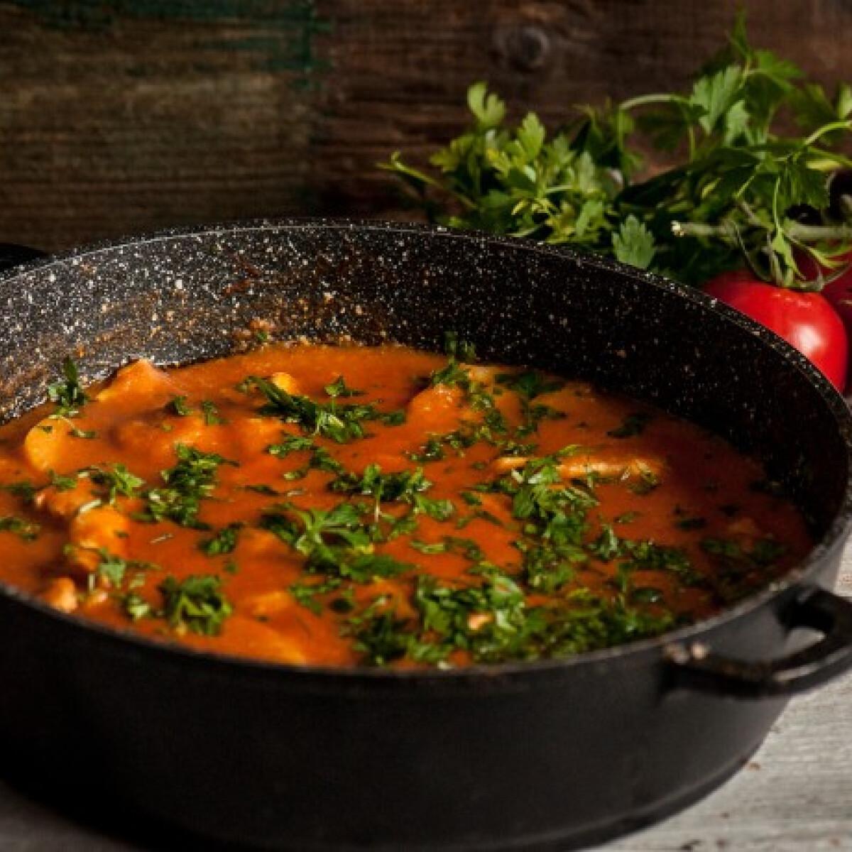 Ezen a képen: Mediterrán paprikás krumpli