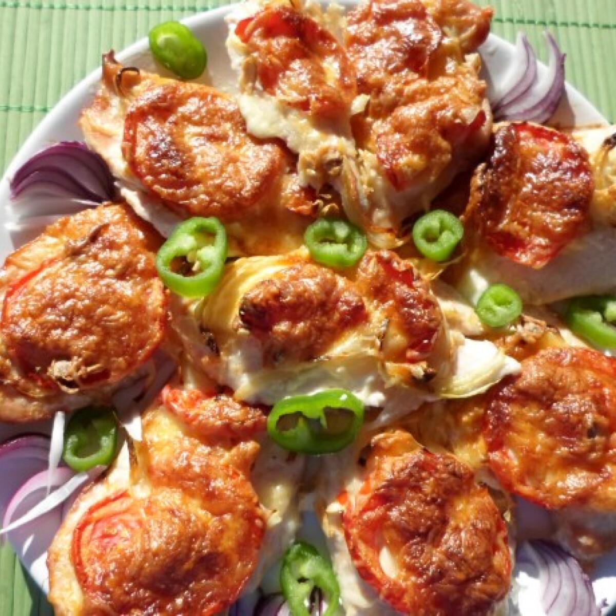 Ezen a képen: Sajtos-paradicsomos csirkemell