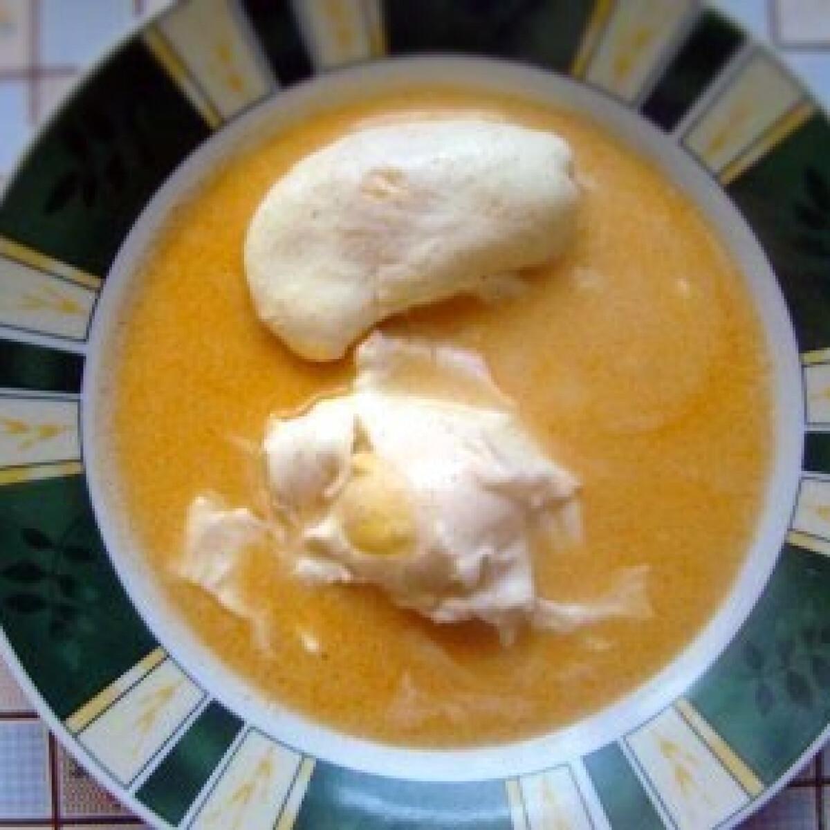 Ezen a képen: Köménymagos leves tojással