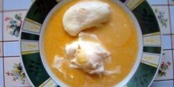 Köménymagos leves tojással