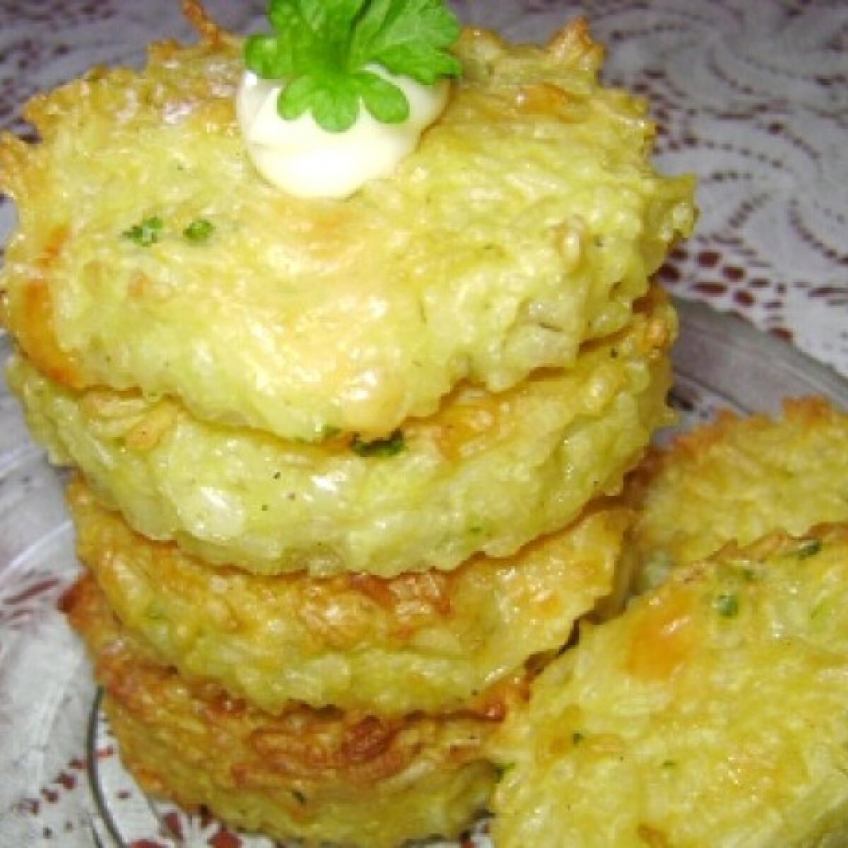 Ezen a képen: Sült sajtos rizspogácsa