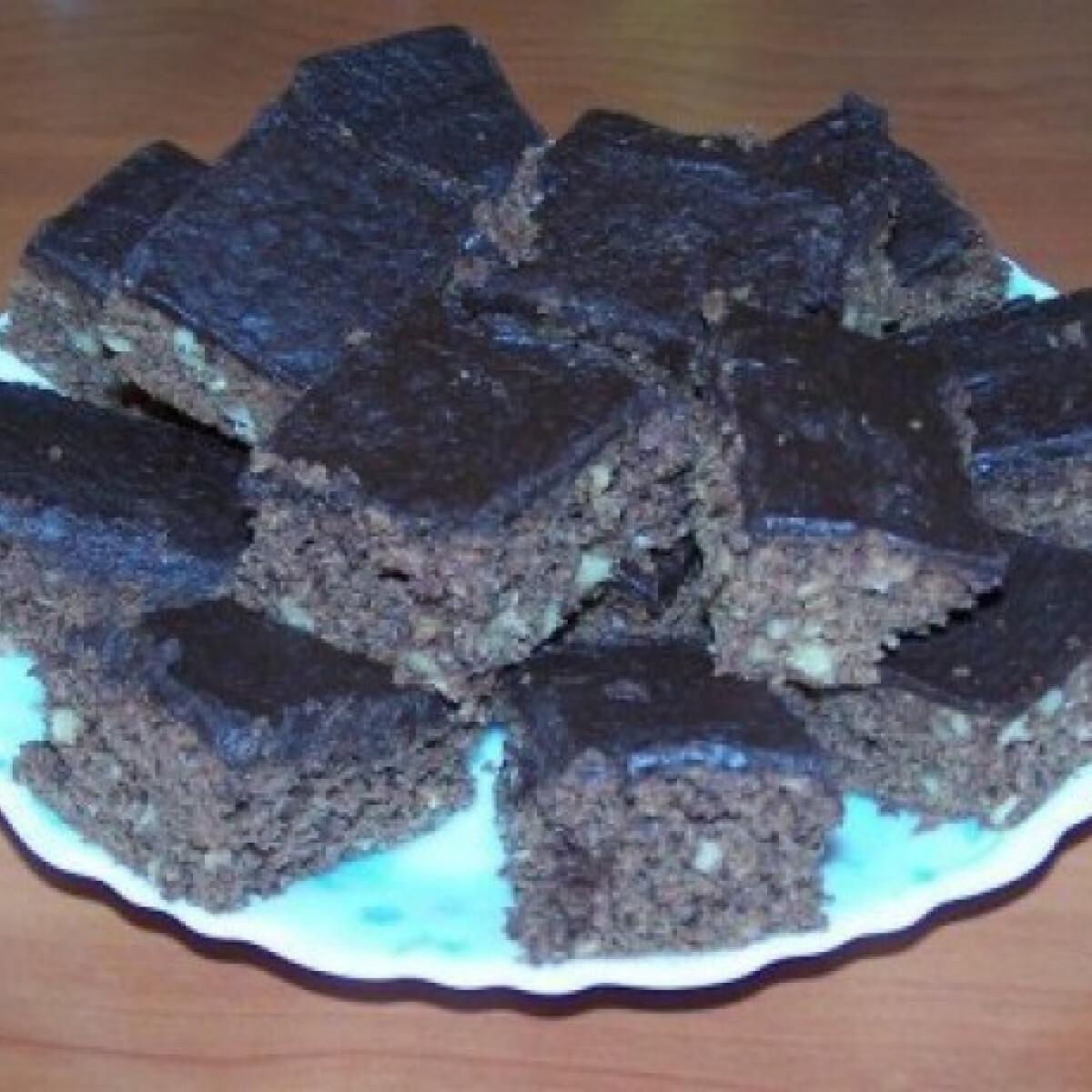 Ezen a képen: Reform Brownie 17. - kókuszkrémes csokimázzal