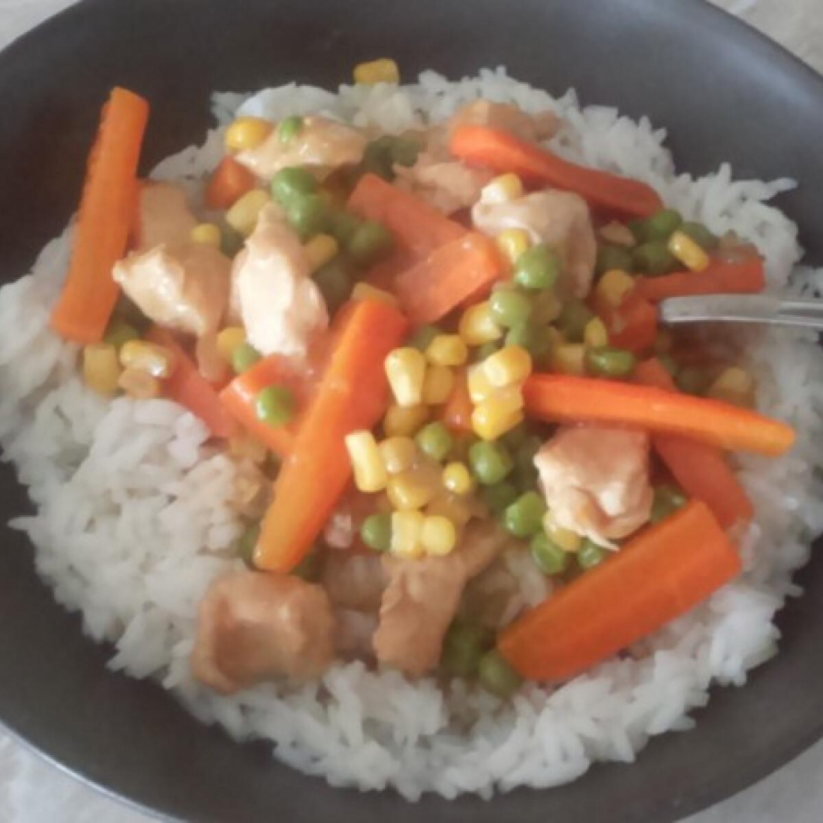 Ezen a képen: Édes-savanyú zöldséges kínai