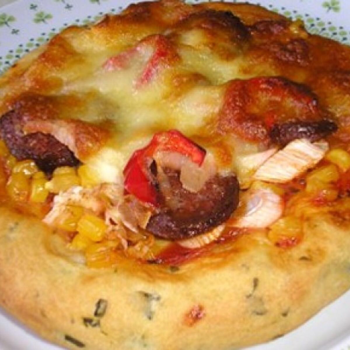 Ezen a képen: Medvehagymás mini-pizza