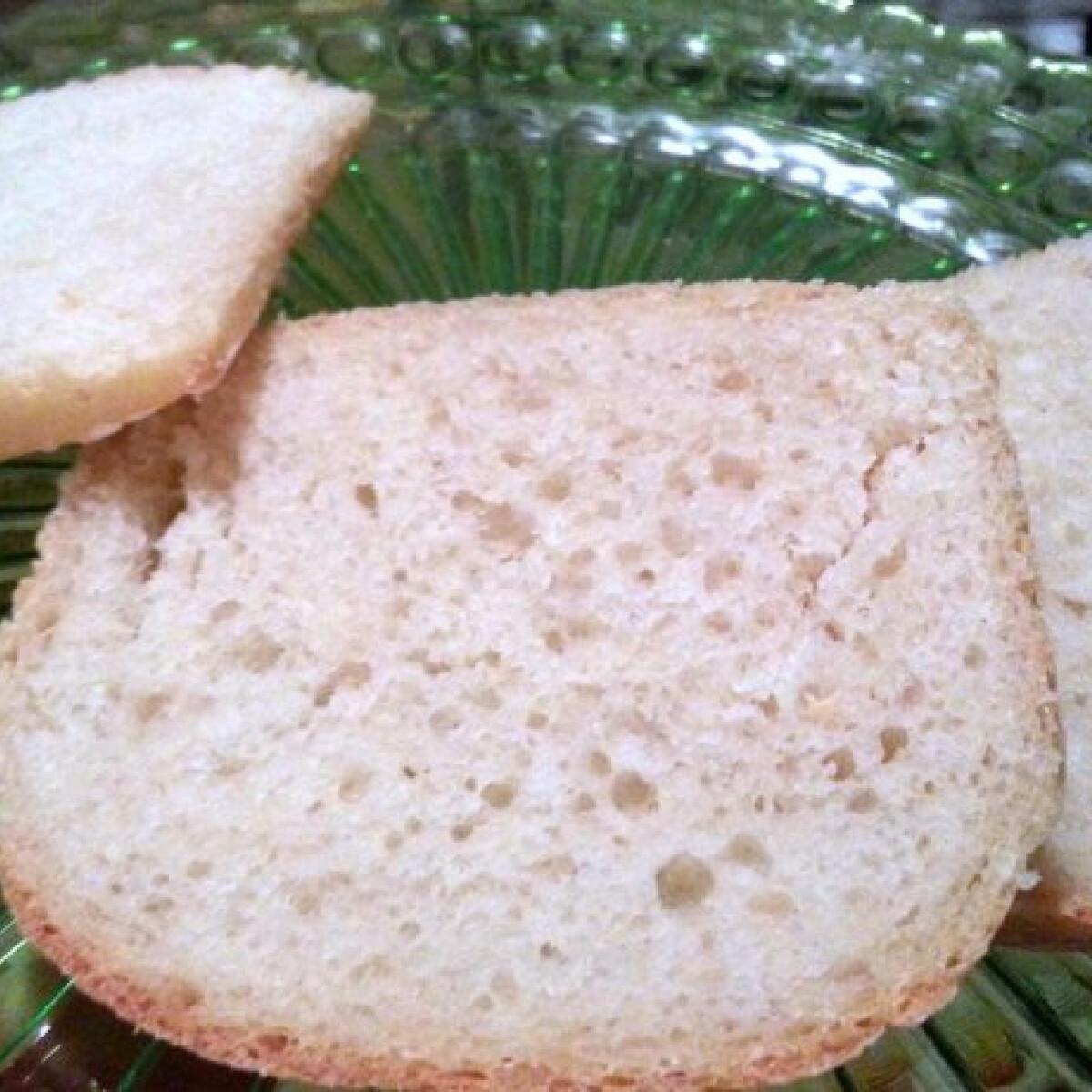 Ezen a képen: Fehér kenyér Nonoo konyhájából
