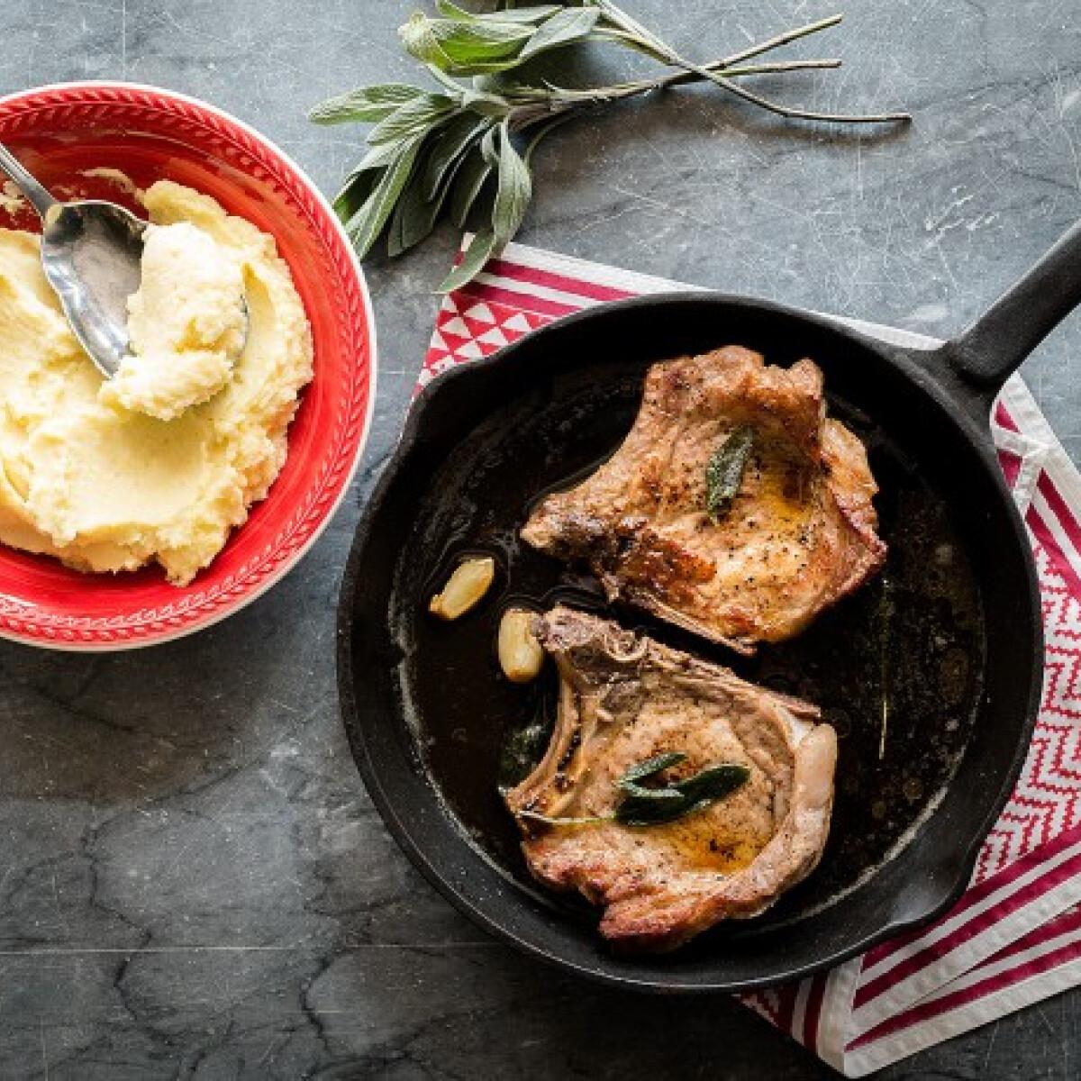 Ezen a képen: Serpenyőben sült karaj és a tökéletes burgonyapüré