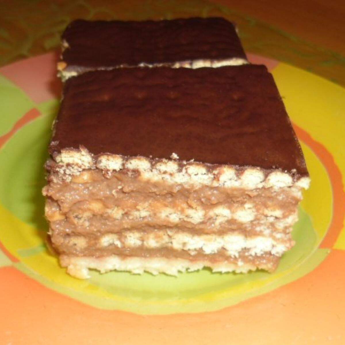 Ezen a képen: Csokikrémes szelet Helenától
