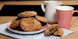 Pihe-puha csokis-mogyorós keksz