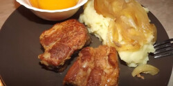 Mézes-ketchupos oldalas krumplipürével