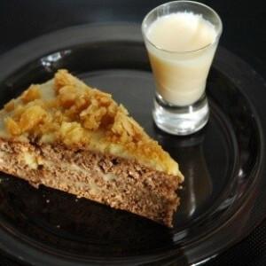 Mandulás-tojáslikőrös torta
