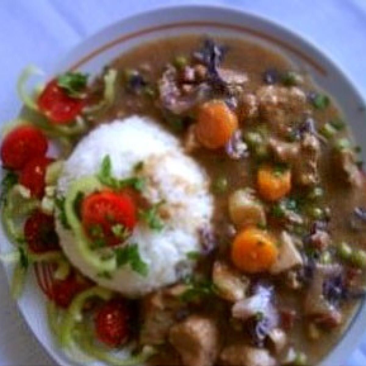 Ezen a képen: Csirkemell zöldségesen, gombával és tejszínnel