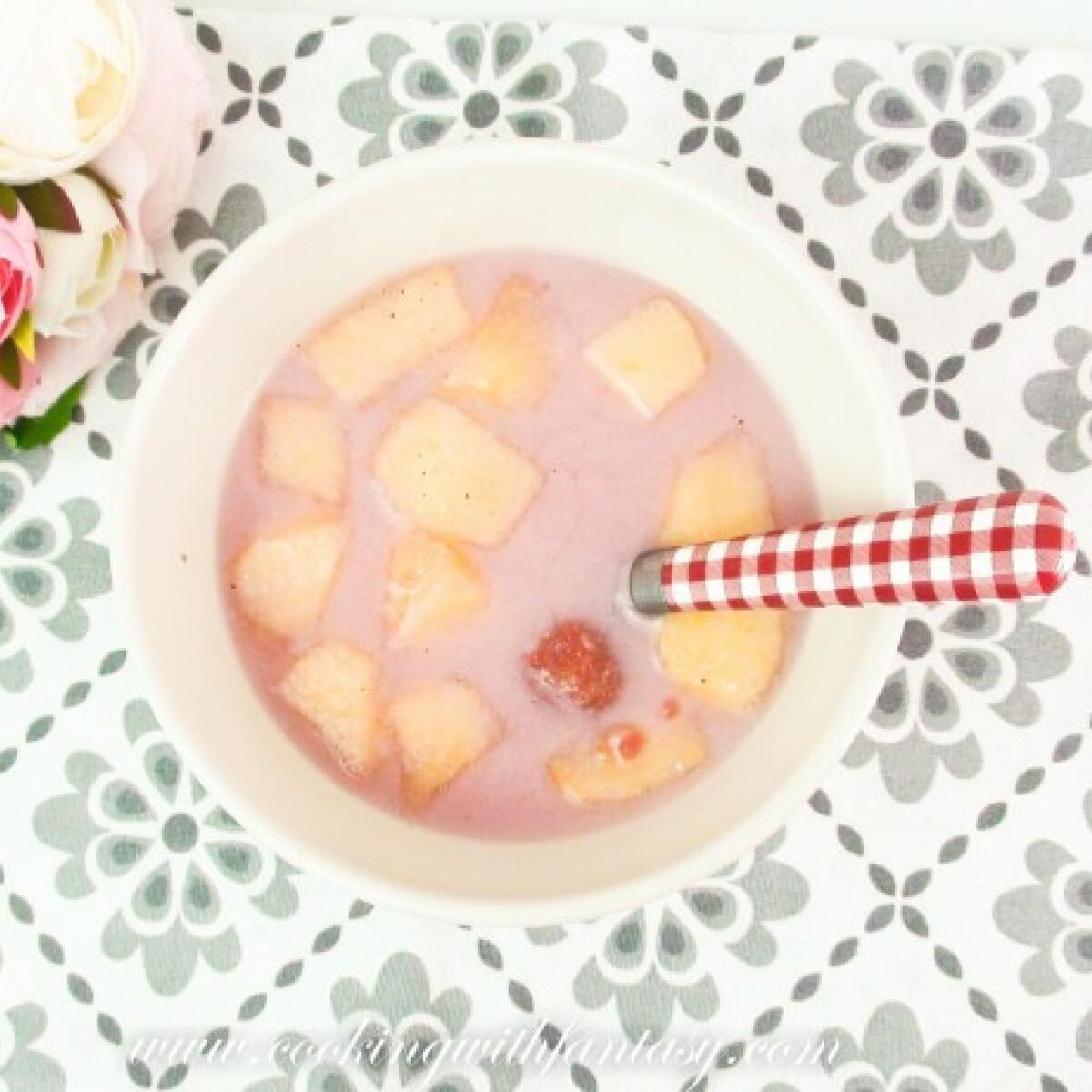 Ezen a képen: Mákos-joghurtos gyümölcsleves