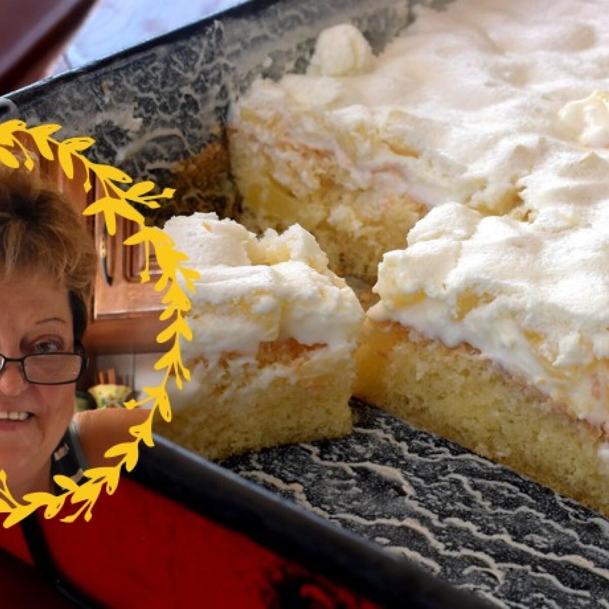 Ezen a képen: Ananászkrémes piskóta Maczkó nagyi konyhájából