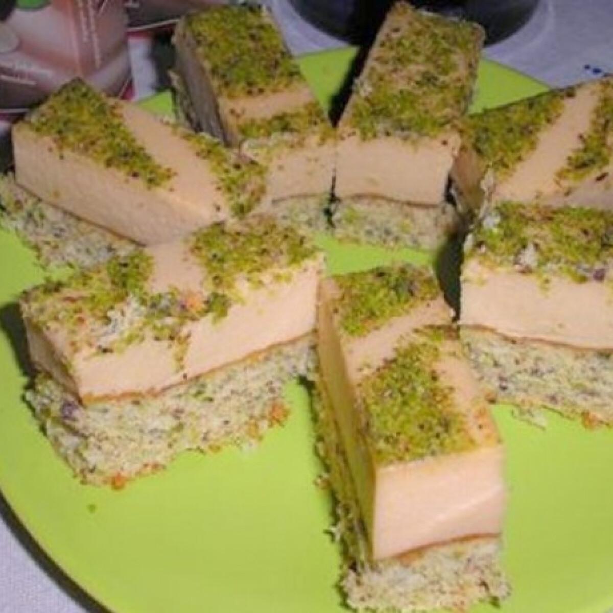 Ezen a képen: Pisztácia torta