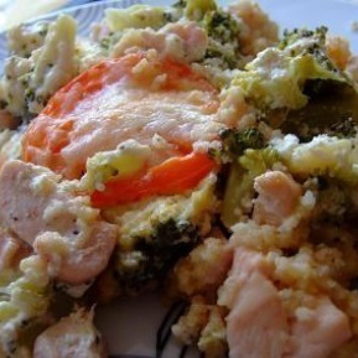 Csőben sült brokkolis csirke kölessel