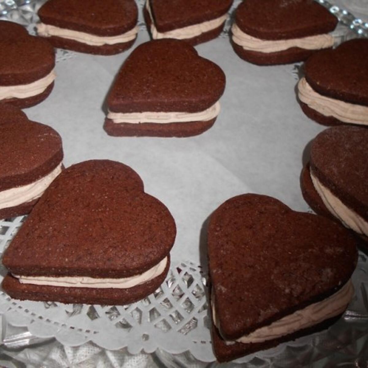 Ezen a képen: Valentin napi töltött szívecskék