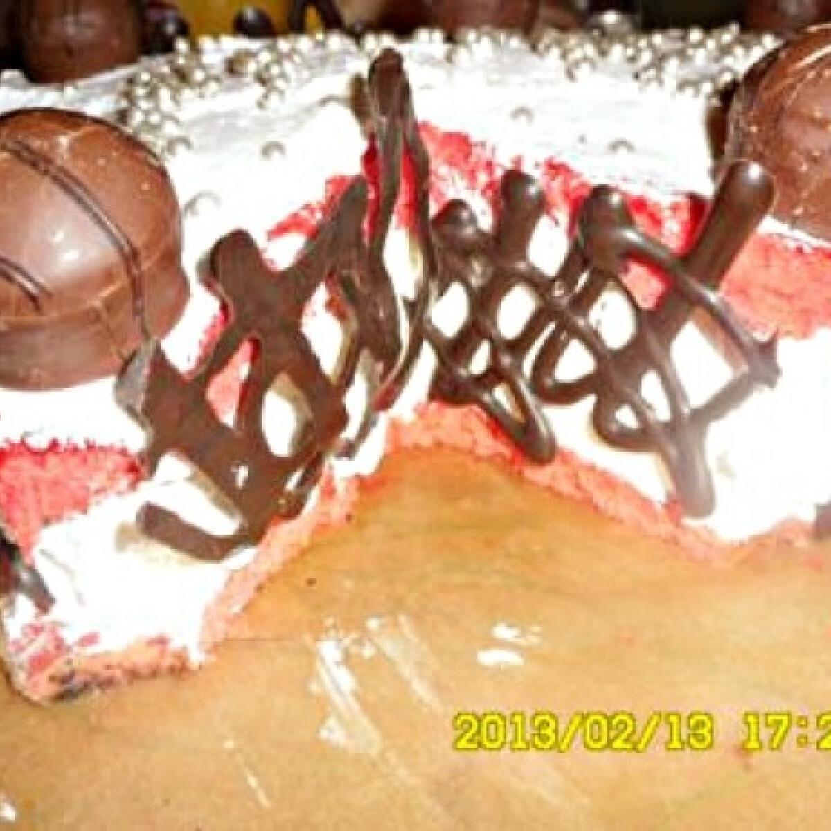 Ezen a képen: Korona torta