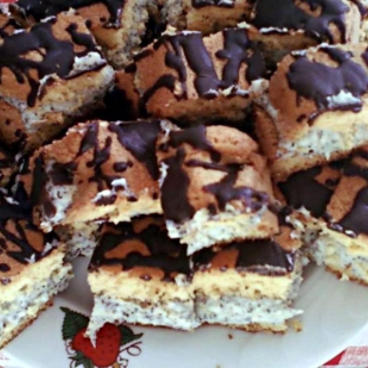 Ezen a képen: Mákos-krémes süti