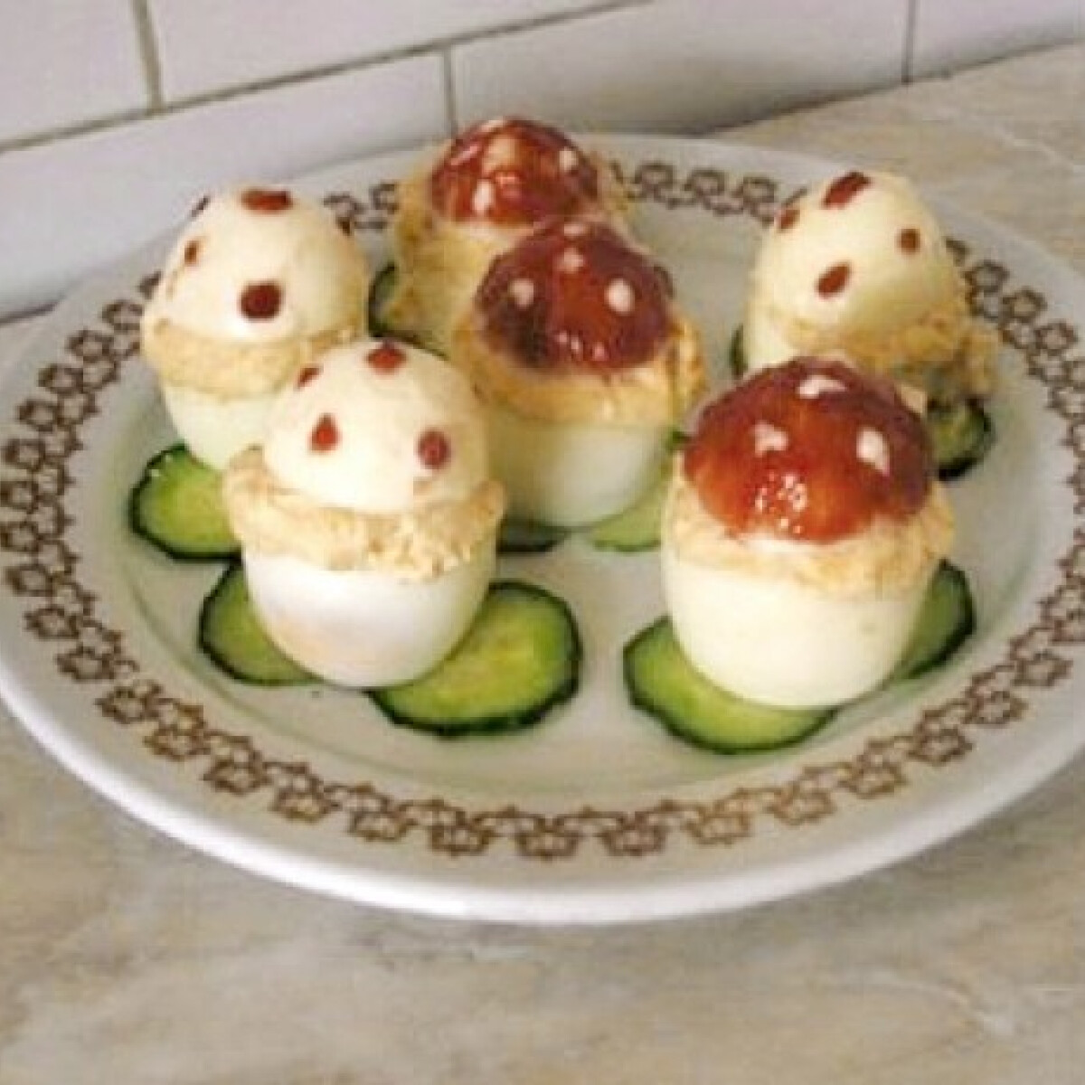 Ezen a képen: Töltött tojás Gabys konyhájából