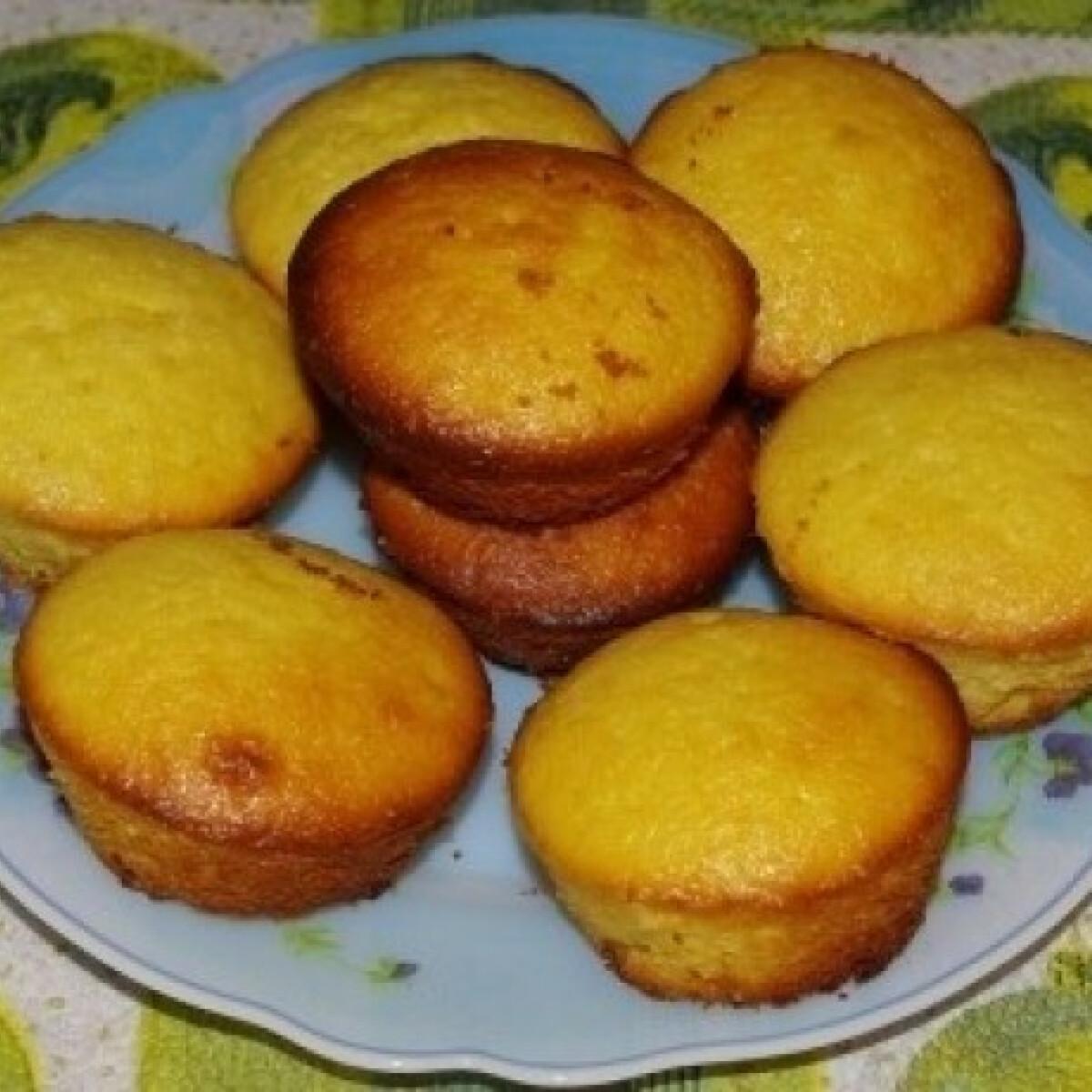 Ezen a képen: Krémes citromos muffin