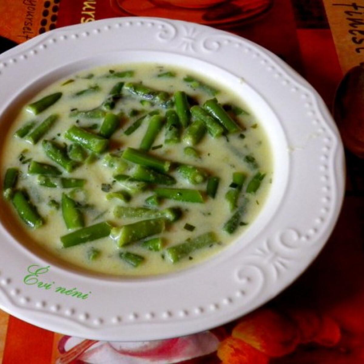 Ezen a képen: Tárkonyos zöldbabfőzelék Évi néni konyhájából