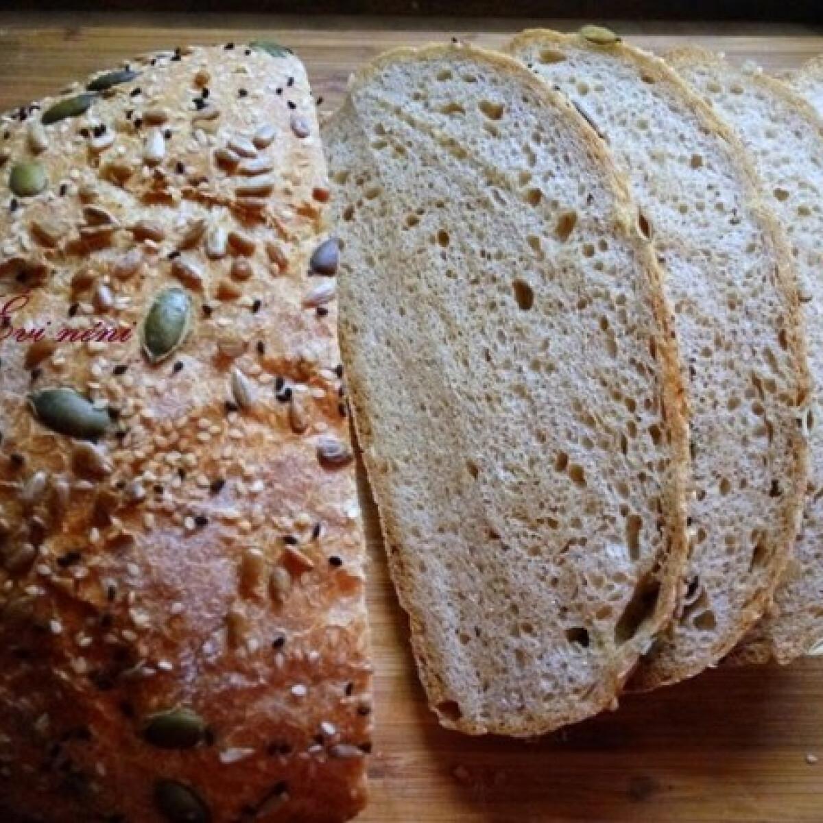 Ezen a képen: Magos graham-kenyér Évi nénitől