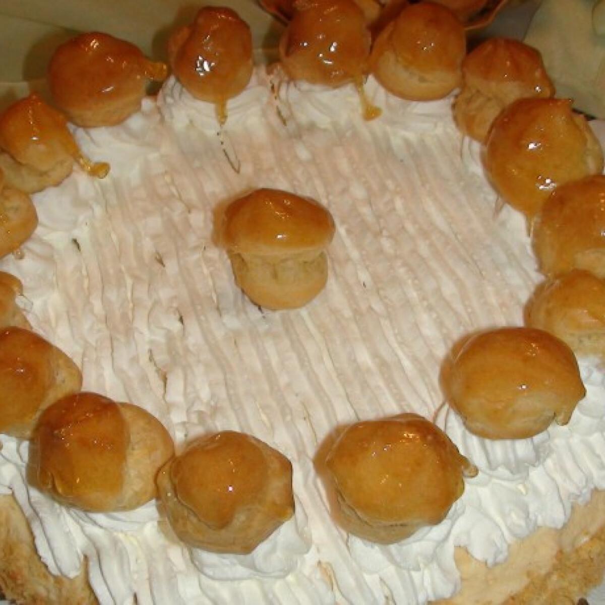 Ezen a képen: Saint Honoré torta