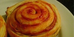 Pizzás csiga házi levelestésztából (Pizzás csiga 2.)