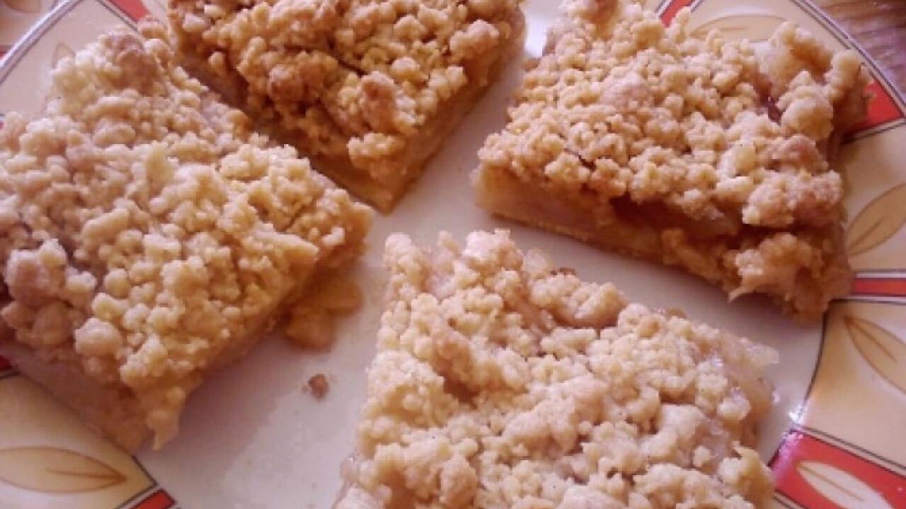 Körtés-almás pite édes morzsával