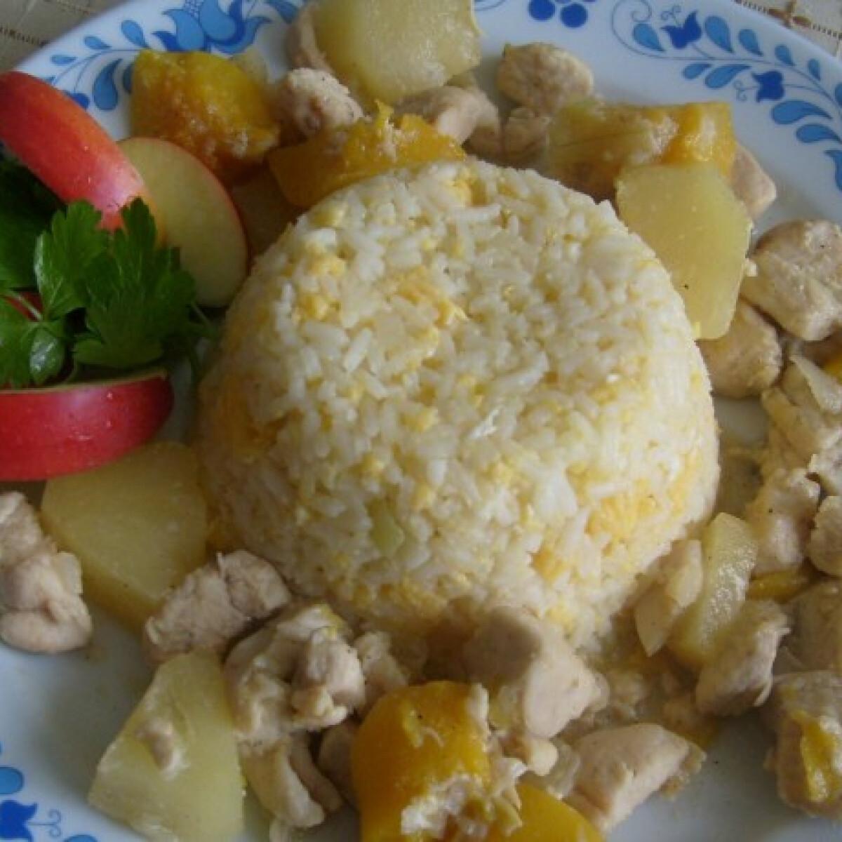 Ezen a képen: Thai csirke tojásos rizzsel