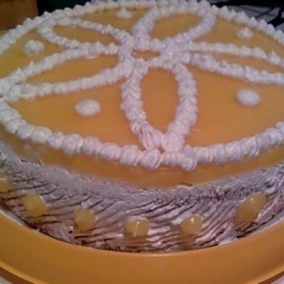 Ezen a képen: Fantás – túrókrémes torta