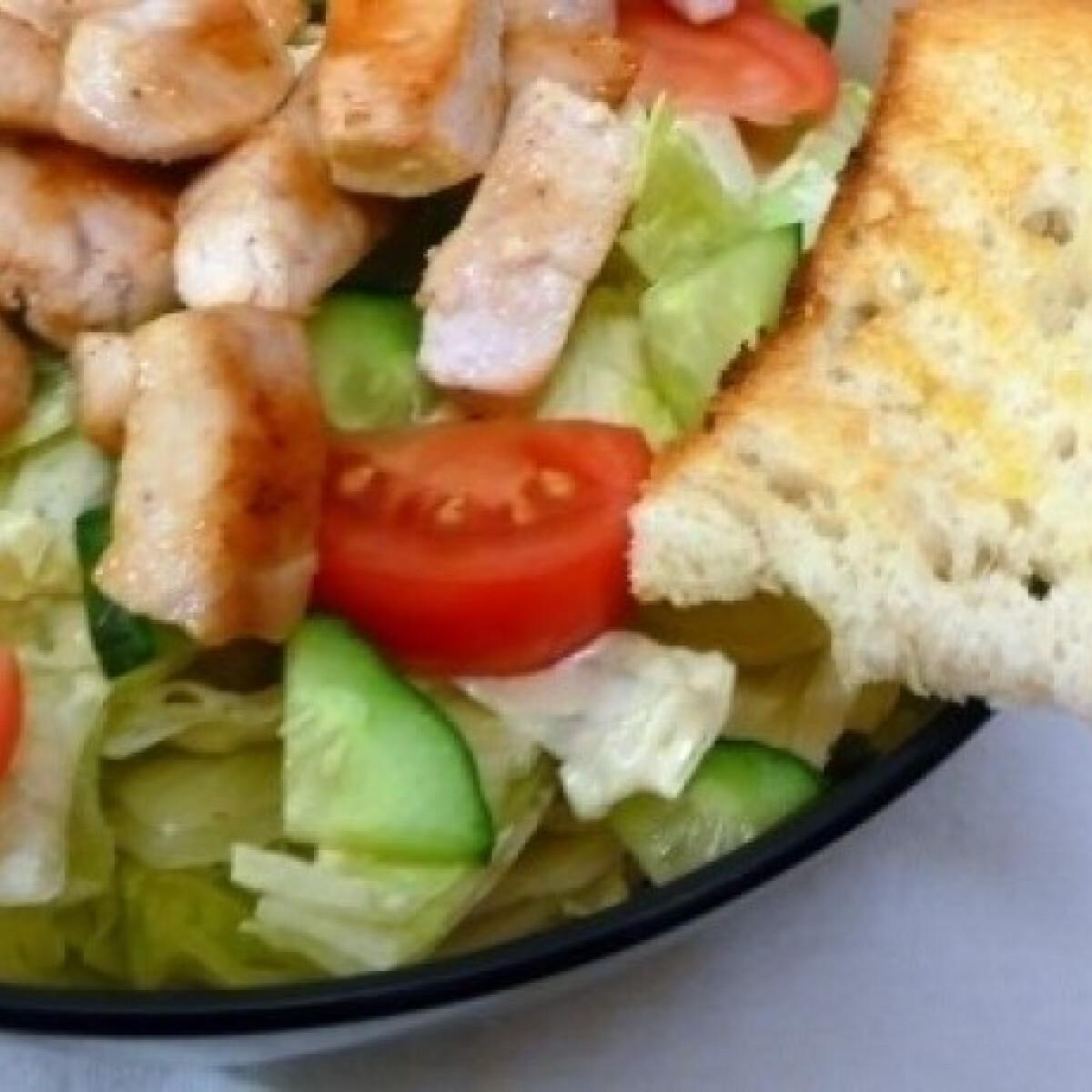 Ezen a képen: Cézár saláta