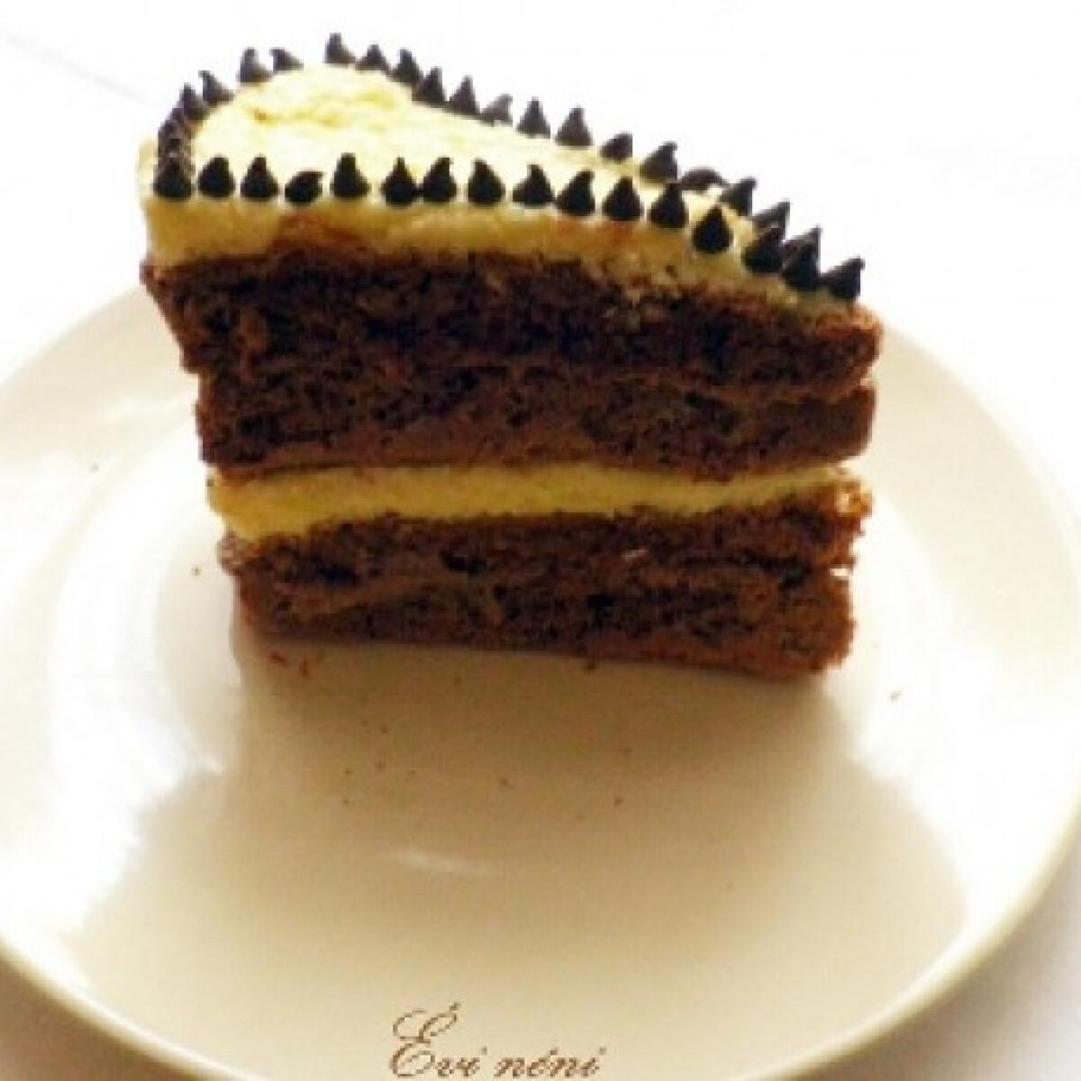 Ezen a képen: Kókusz- és kávékrémes torta