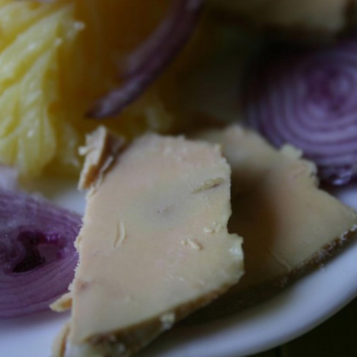 Ezen a képen: Zsírjában sült kacsamáj