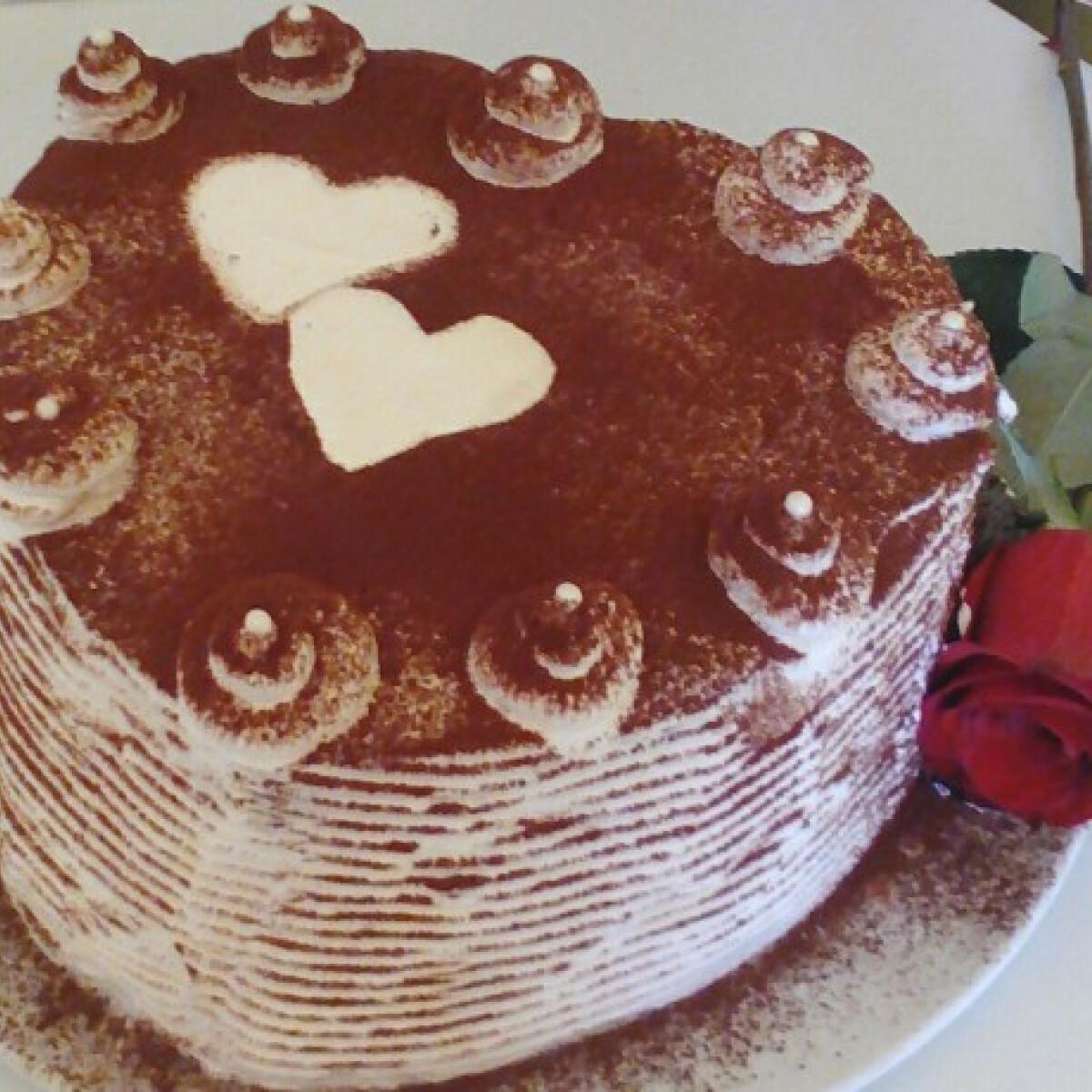 Ezen a képen: Szerelmes tiramisu torta