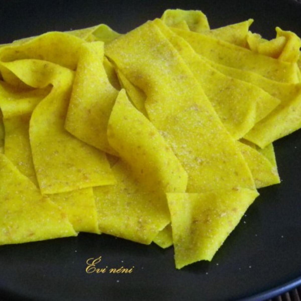 Ezen a képen: Fürjtojásos kovászos tészta