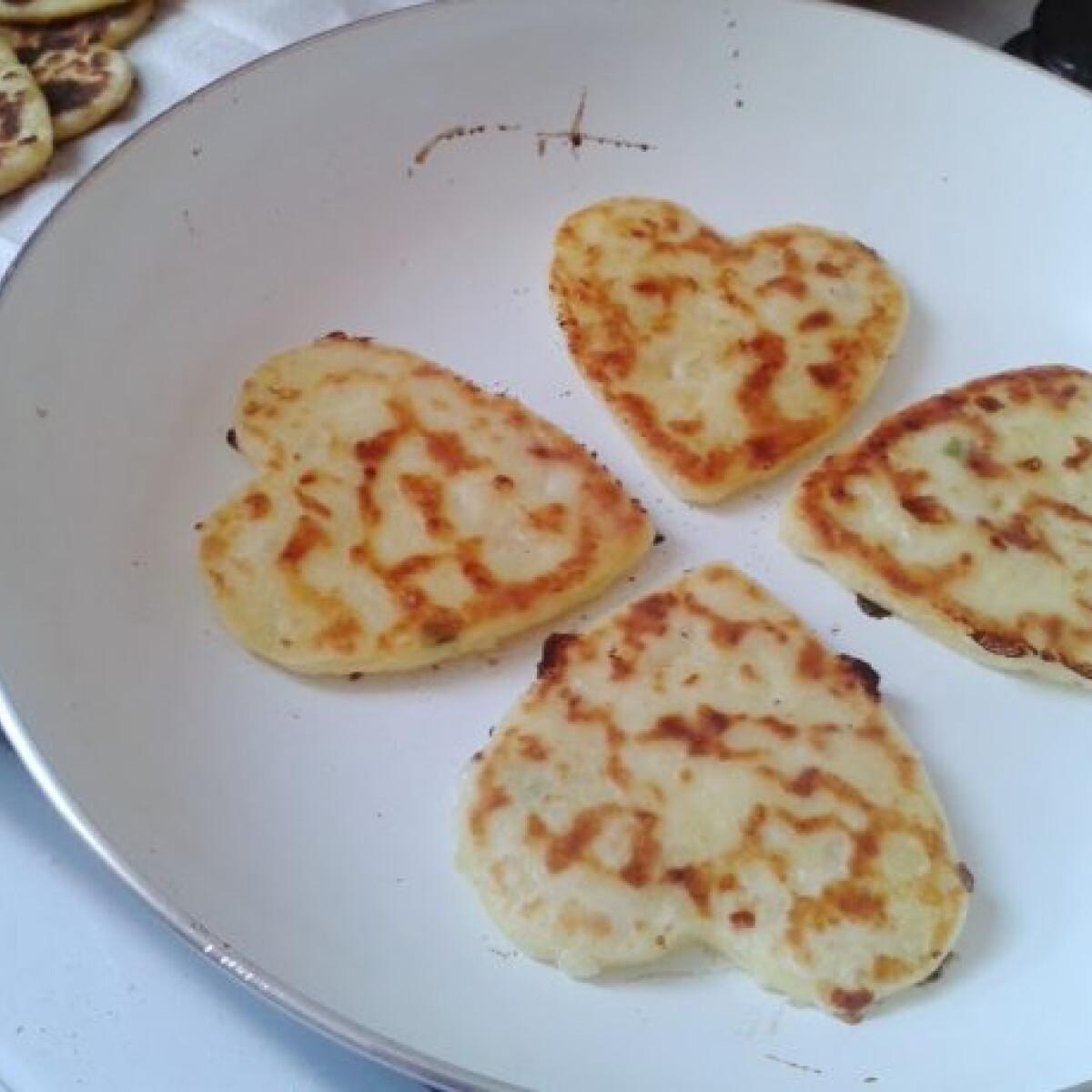 Hagymás-sajtos krumplilángos