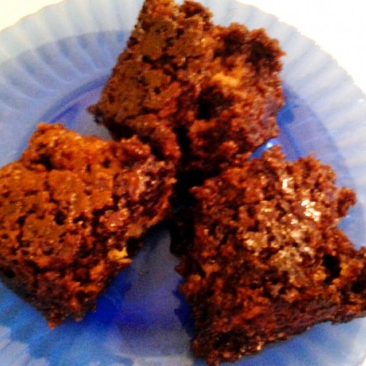 Ezen a képen: Csokiglazúros narancsos sütemény