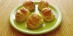 Hajtogatott sajtos pogácsa Évi nénitől