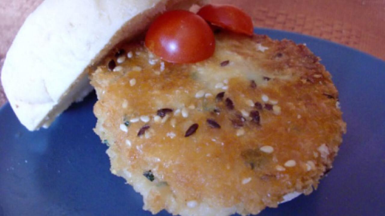 Babos-csicseriborsós burger sajttal