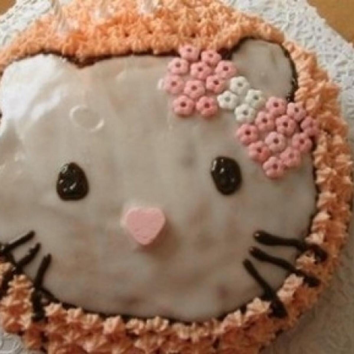 Ezen a képen: Hello Kitty torta