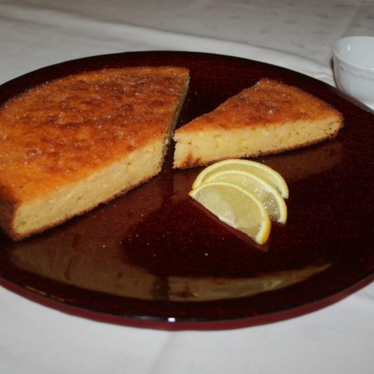 Ezen a képen: Citromtorta AlmaMater konyhájából