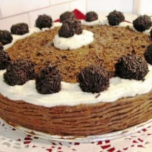 Trüffelgolyós-csokihabos torta