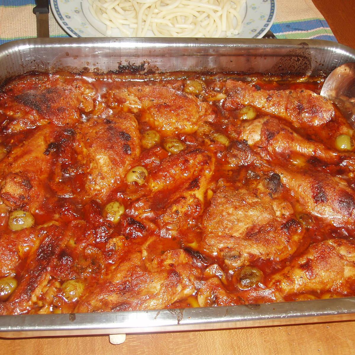Ezen a képen: Olaszos szószban sült tepsis csirke