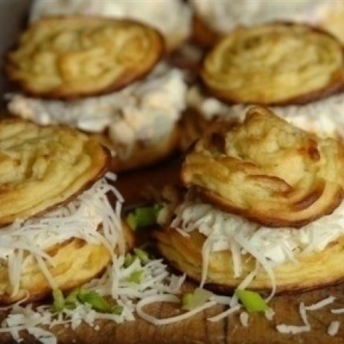 Ezen a képen: Krumplikosárkák Alhambra módra