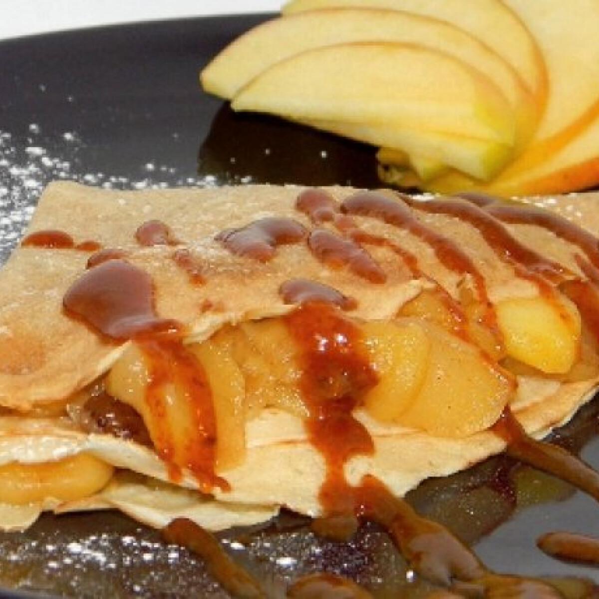Ezen a képen: Almás-diós palacsinta karamellel