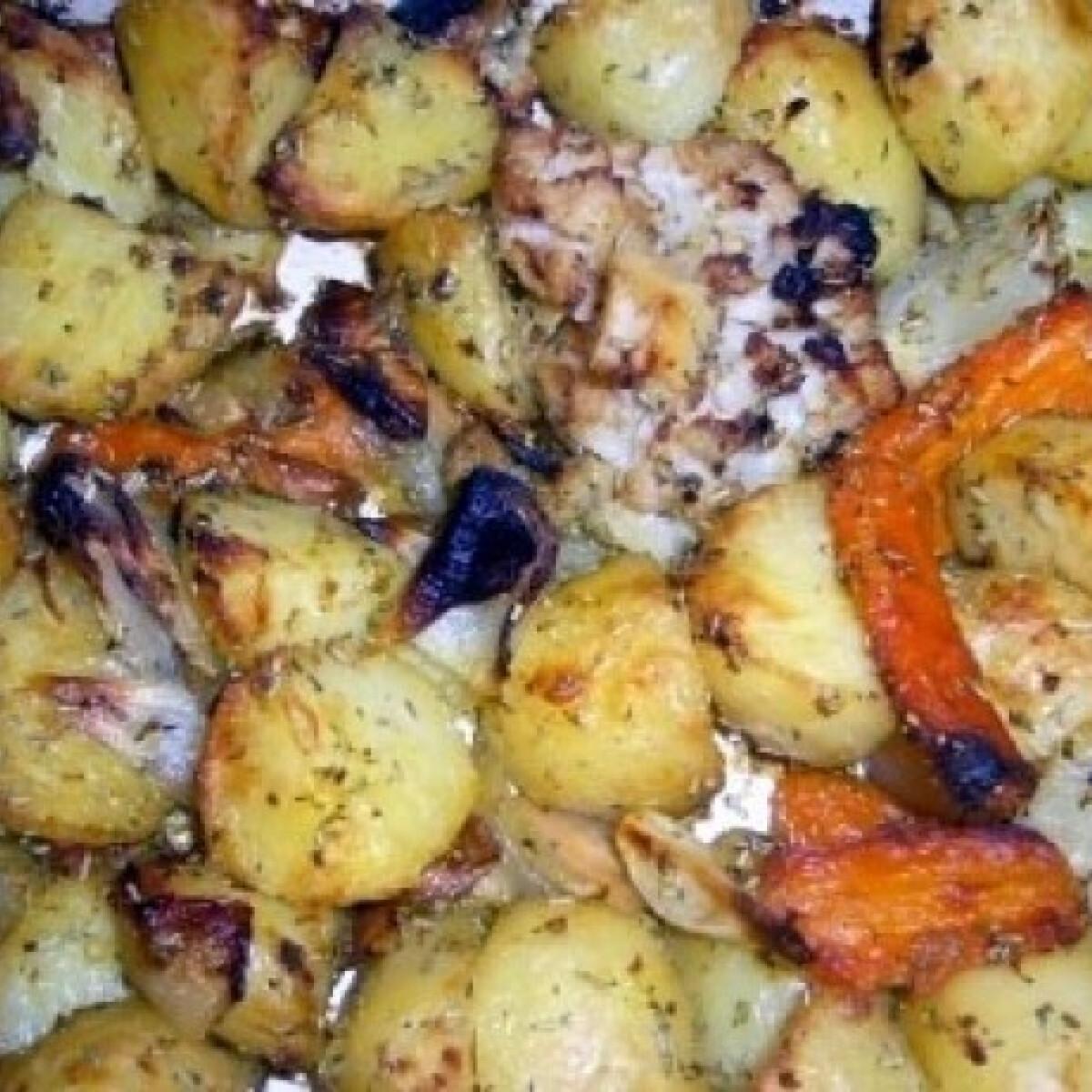 Ezen a képen: Rozmaringos sült zöldségek