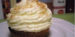 Répás muffin 3. - sajtkrémkalappal